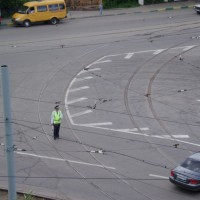 Policista řídí dopravu
