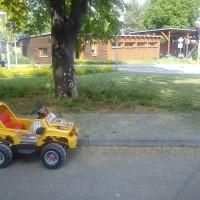 Autíčko k zapůjčení na dopravním hřišti