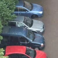 Praha 8 a její parkovací místa fungují zároveň jako vodní lázeň pro Váš motor - od 1.10. za poplatek