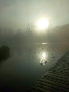 Děti si mohou dát ranní pád do rybníčka...