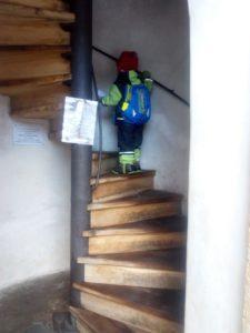 Nahoru vedou točité schody