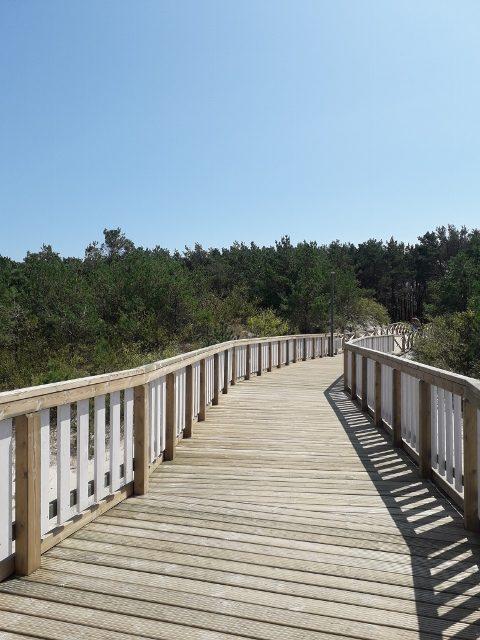 Dziwnów chodníček podél pláží